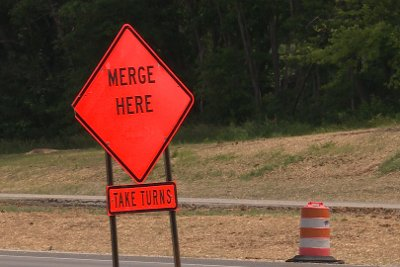 Merge here sign